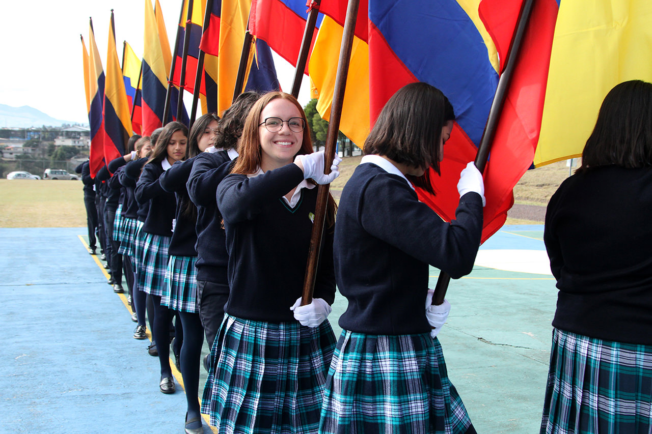 secundaria_desfile_banderas